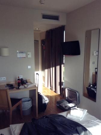 MEININGER Hotel Frankfurt/Main Messe: Chambre