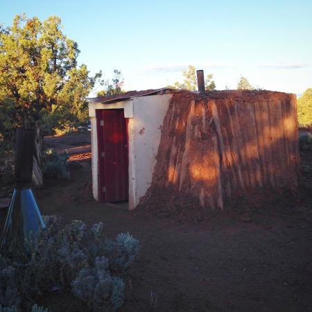 Spider Rock Campground : Medium Hogan exterior