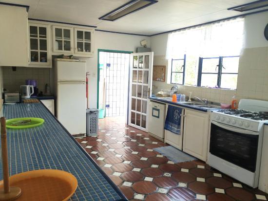 Villa Marie Guesthouse: Shared kitchen