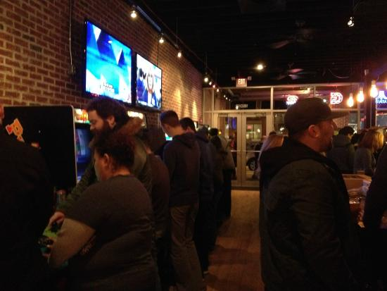 Lakewood, OH: Inside the barcade!