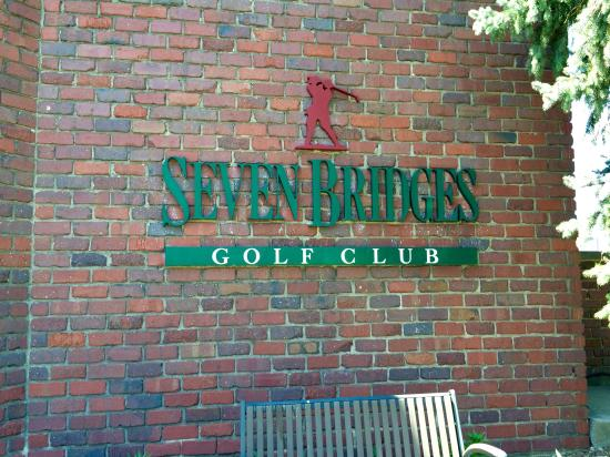 ‪Seven Bridges Golf Club‬