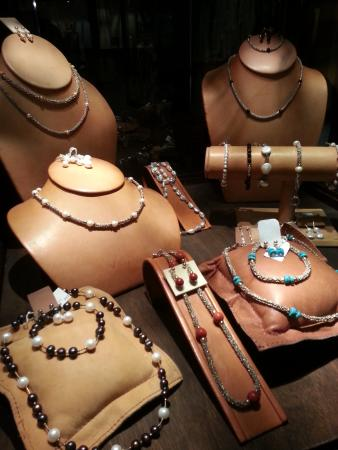 Congo - Costa Rican Handmade Gift Shop: Exclusive Costa Rican jewelry