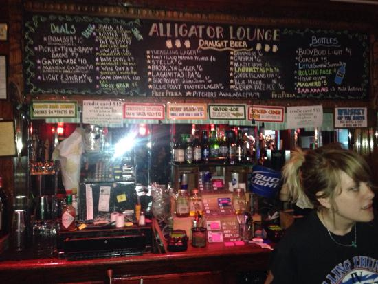 Photo of Pizza Place Alligator Lounge at 600 Metropolitan Ave, Brooklyn, NY 11211, United States