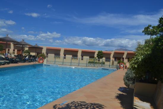Piscina picture of alfaz paradise club alicante for Piscina alicante