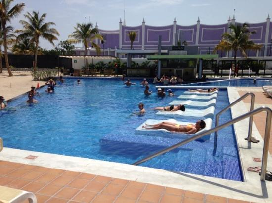 Main Pool Picture Of Hotel Riu Palace Jamaica Montego