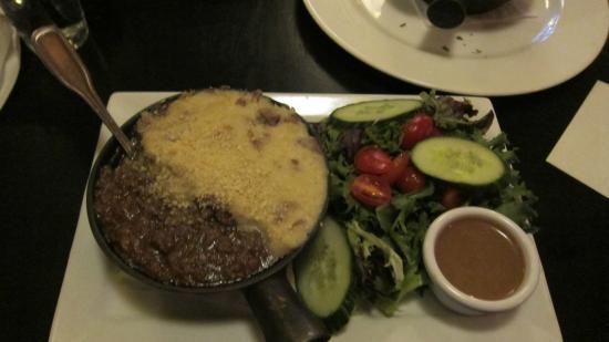 Solas Pub: shepherd's pie