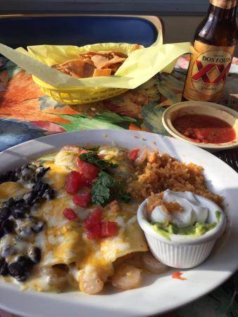 La Playita: Shrimp enchiladas are yummy!