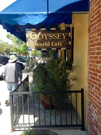 Odyssey World Cafe: Streetside seating.