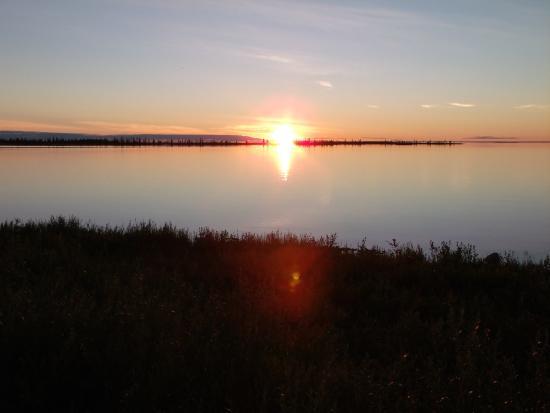Plummer's Arctic Lodges: 24 hour sunlight