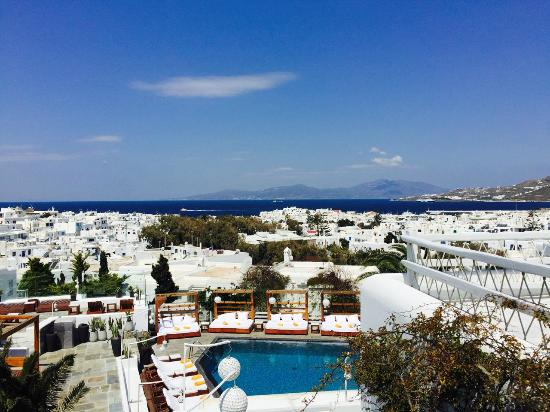 Belvedere Hotel Mykonos: View from the balcony of my room