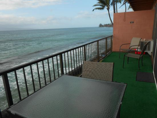 Maui Sands: Lanai off living & dining room