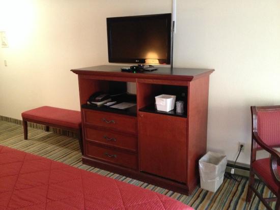 La Grande Inn: New TV