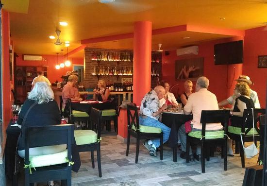 Cucco's Market Bistro Cafe