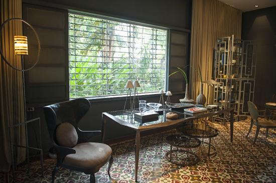 Superbe The Henry Hotel Manila: Eric Paras Furniture Showroom