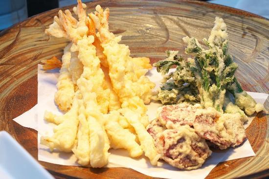 The Yuinchi Hotel Nanjo: 六感が楽しめるブッフェレストラン サンピアでは約50種の和洋中お料理をご用意