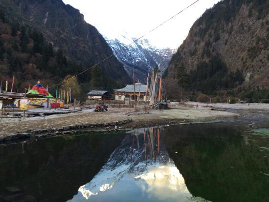 Yubeng Village: 雨崩村簡直是世外桃源,徒步很辛苦,但絕對值得走上一趟!!!