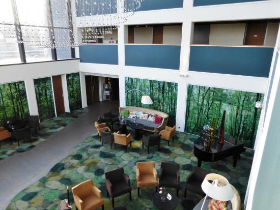 Fletcher Hotel-Restaurant Leidschendam-Den Haag : The Reception area from the first floor