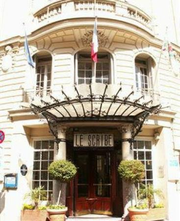 Hotel Le Scribe: Вход