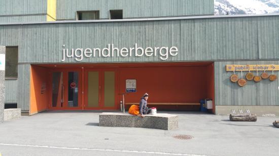 St. Moritz Youth Hostel: Eingang