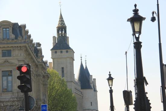 Mon Beau Paris : Heart of Paris Tour: la Conciergerie