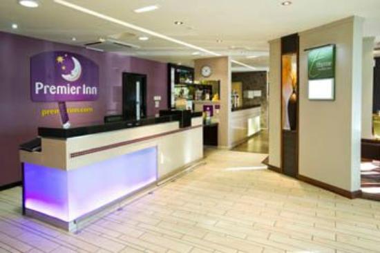 Premier Inn Ayr A77/Racecourse Hotel: Reception