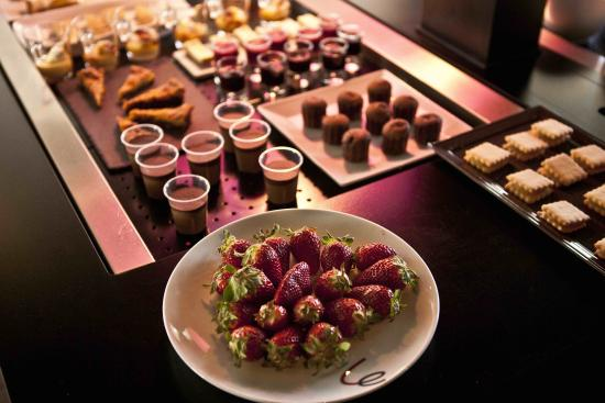 Campanile Grasse - Chateauneuf : Le buffet
