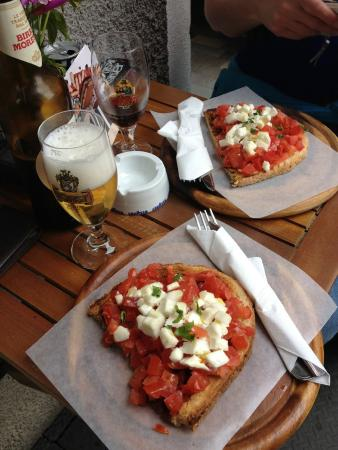 Pan e Vin Bar: Heerlijke bruschetta met bier en wijn