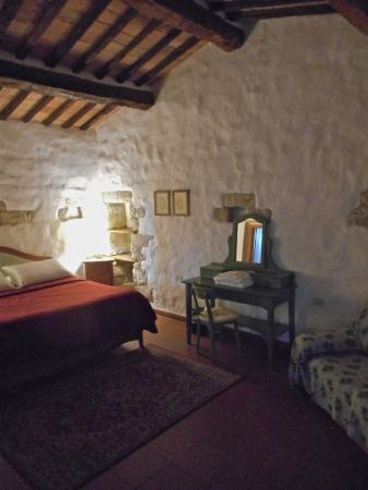 Torre di Ponzano - Chianti area - Tuscany -: Master bedroom in the apartment LA TORRE