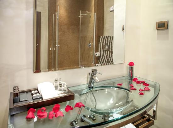 Allure Caramel Hotel by Karisma: Bathroom