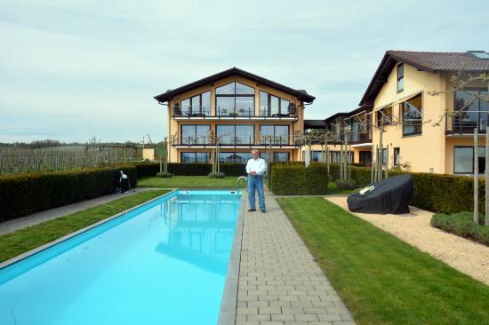 Burgunderhof Hagnau: the swimming pool