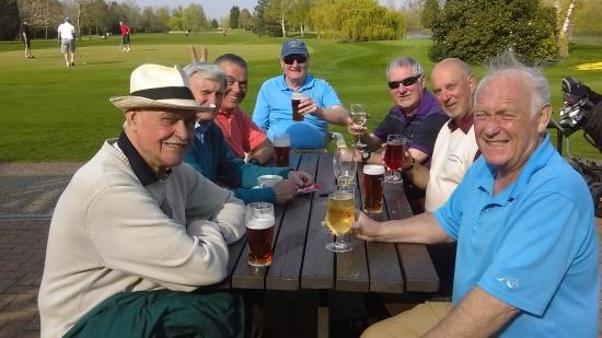 Lakeside Lodge Golf Centre: A very welcome beer...or two!