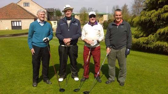 Lakeside Lodge Golf Centre: They call themselves golfers - I have my doubts!