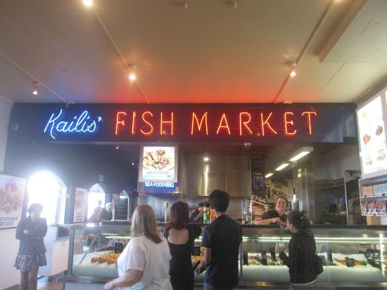 Foto de kailis fish market cafe fremantle counter for Empire fish market