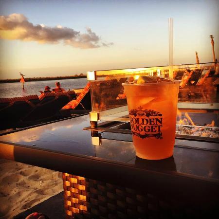 Golden Nugget Beach Bar
