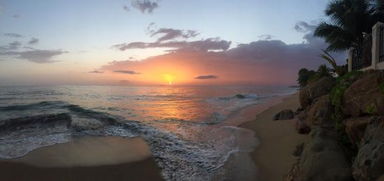 Tres Sirenas Beach Inn: photo2.jpg
