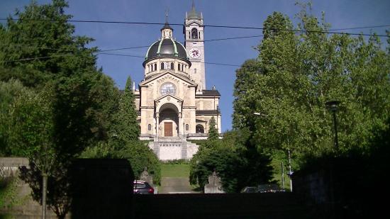 Hotel Ascot: ホテル近くのエンゲ教会。