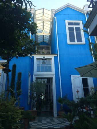Voga Exclusive Guesthouse: The hotel as seen from the garden