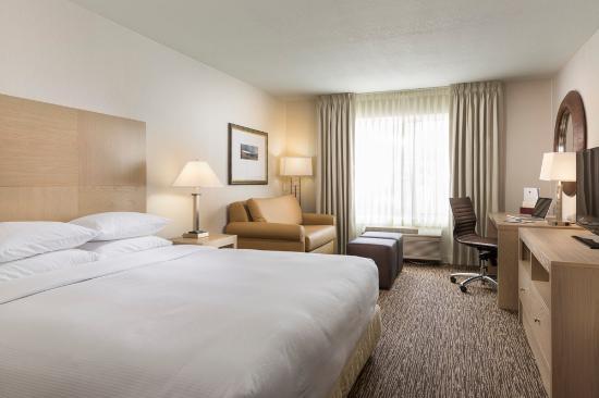 DoubleTree by Hilton Hotel Portland - Tigard: Standard King Room
