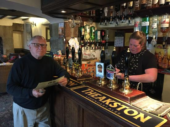 Kings Arms Hotel: Dad Getting a pint from the King's Arms bar