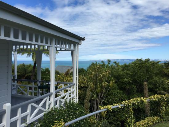 The Masters Lodge: View of Cape Kidnappers from porch