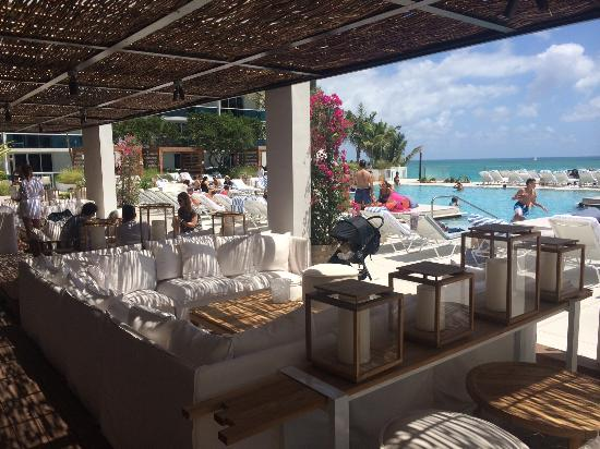 1 Hotel South Beach Sandbox Pool Bar