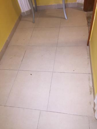 couloir vers salle de bain picture of arc en ciel constantine tripadvisor. Black Bedroom Furniture Sets. Home Design Ideas