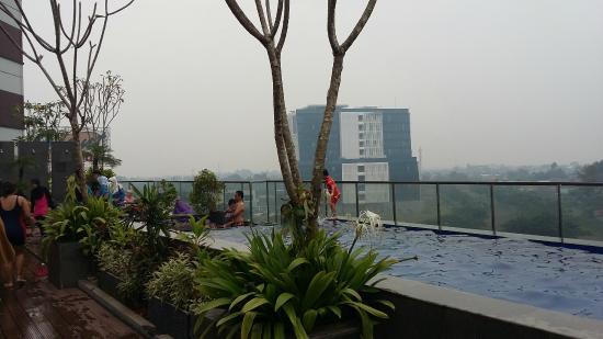 kolam renang picture of santika premiere bintaro tangerang rh tripadvisor com