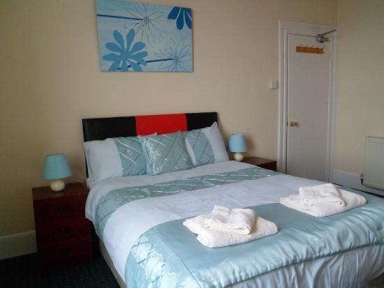 Sherwood Hotel : Seaview  Room  -  2nd Floor