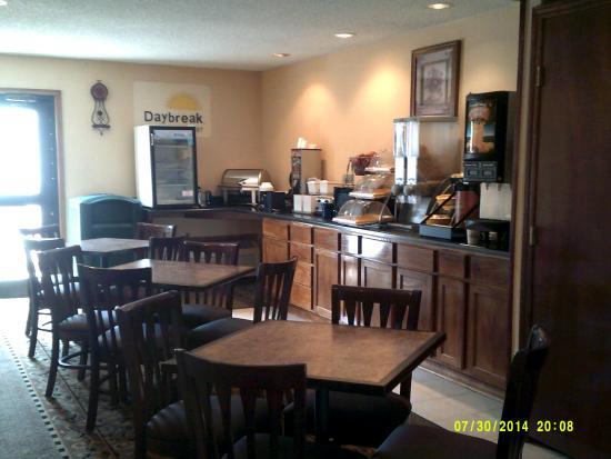 Days Inn Pauls Valley: Breakfast Dining Room