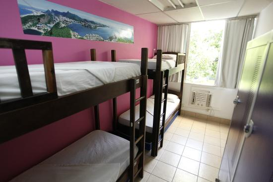 Adventure Hostel: Female dorm for 4 with AC and sahred bathroom