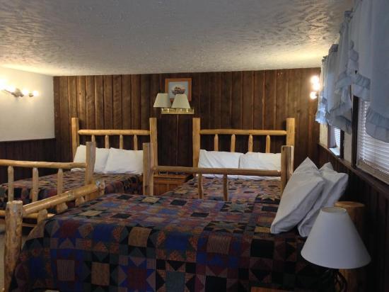 Hulett Motel: river suite