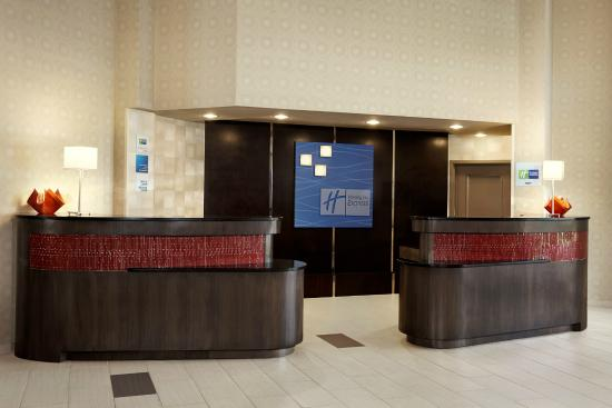 Holiday Inn Express & Suites Naples: Reception