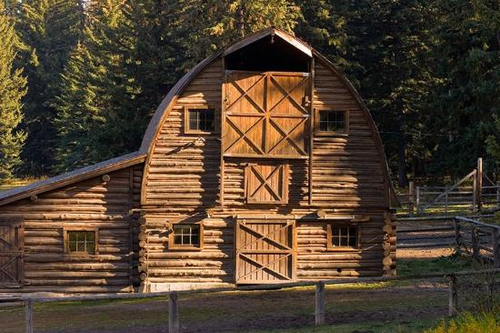 Trail Creek Ranch : Our historical barn
