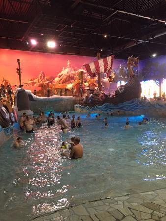 Adinkerke, Belgium: Le bassin déchainé